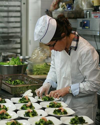Image d'Isabelle de Vaugelas en cuisine